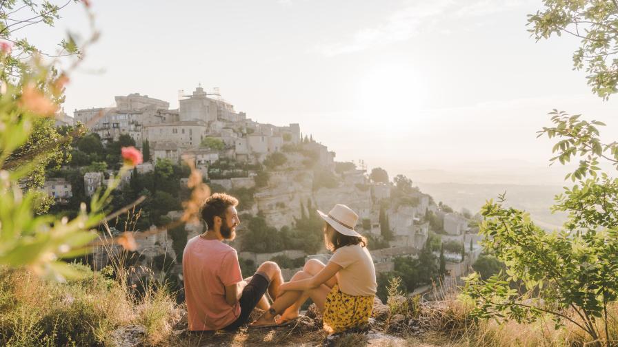 <p>Защо <strong>пътуванията са полезни</strong> за здравето ни?</p>