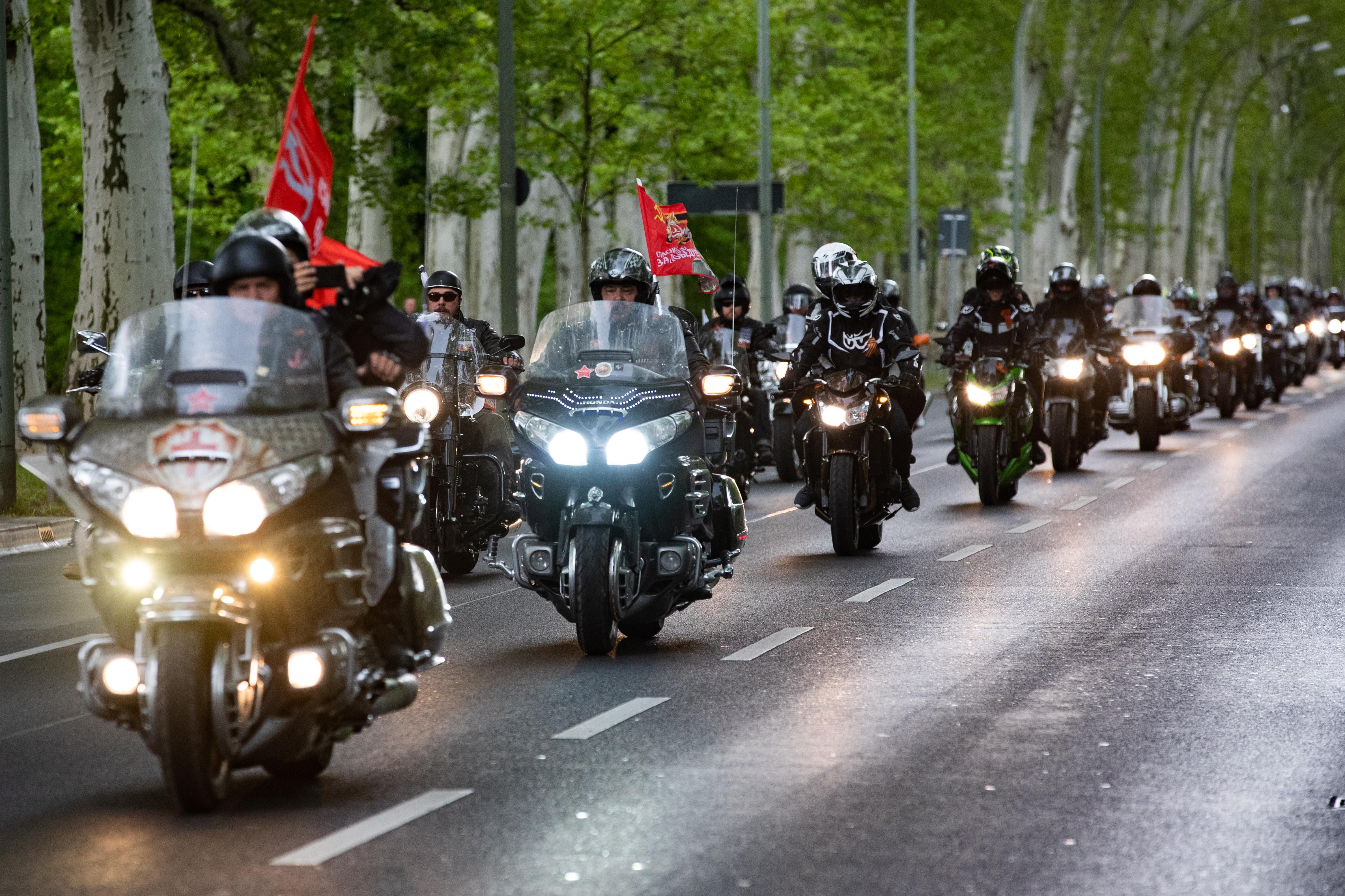 """Членовете на руския мото клуб """"Нощни вълци"""" пристигнаха в Берлин, Германия."""