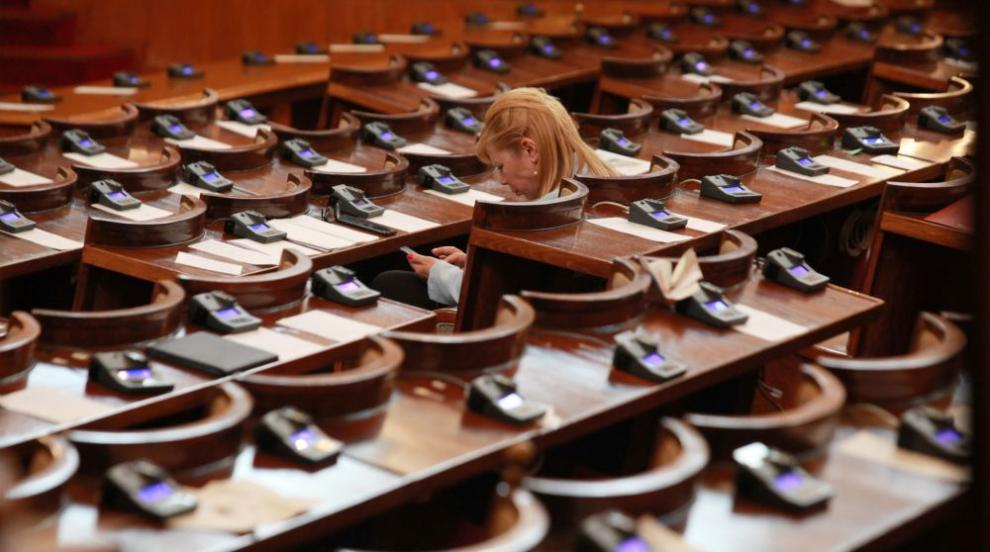 Сделката за новите изтребители влиза в пленарната зала