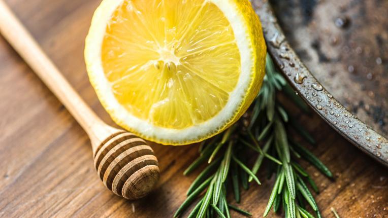 Лимонът – безценният плод за тялото и домакинството