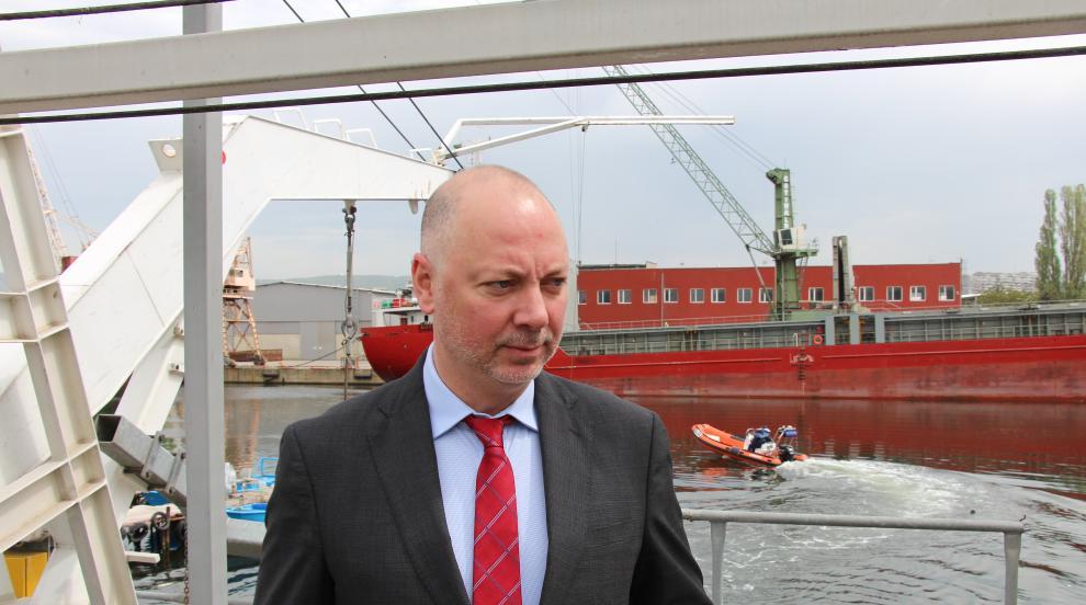 Търси се консенсус за варненското пристанище, обяви министърът на...