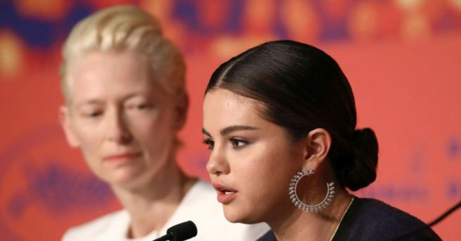 Американската поп певица и актриса Селена Гомес заяви на пресконференция