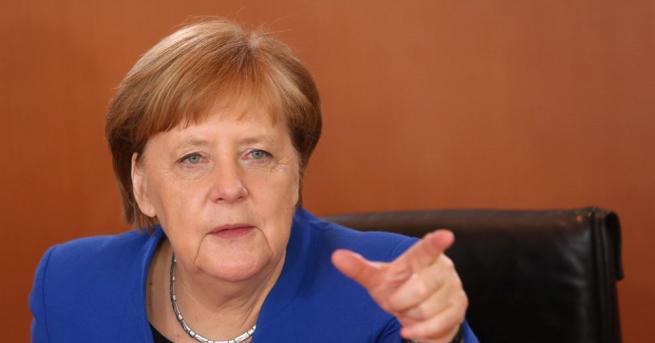 Германският канцлер Ангела Меркел отхвърли идеята да поеме водеща роля