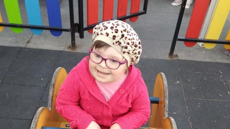 Да помогнем на Мими да пребори коварна болест