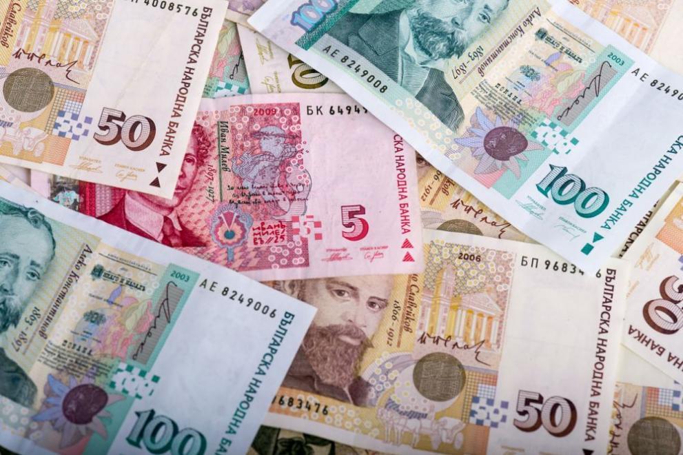 Столични полицаи търсят собственика на намерена сума пари - България -  DarikNews.bg