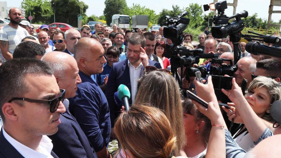 <p>Борисов: Шаситата за BMW ще се правят в Шумен</p>