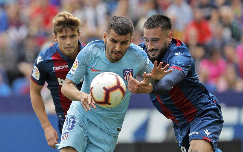 Леванте и Атлетико Мадрид завършиха 2:2 в първи двубой от