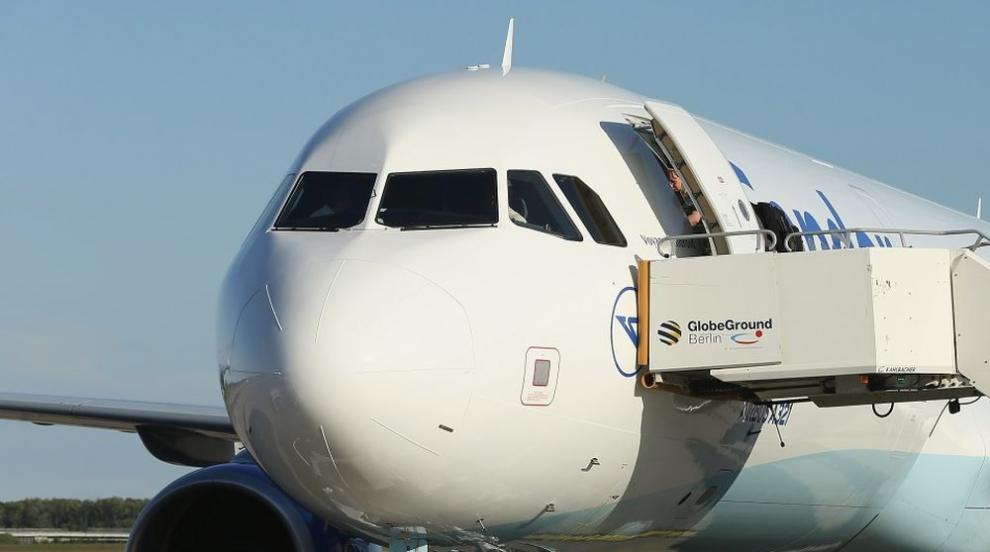 Повреда в самолета на Хайко Маас забави пристигането му в София