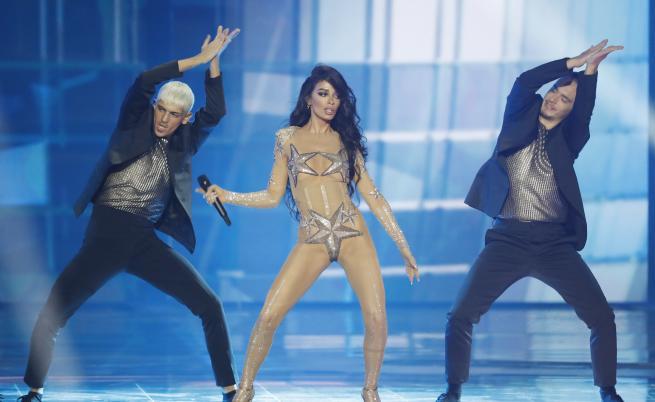 """Тоалетите, които впечатлиха и изумиха на сцената на """"Евровизия"""""""