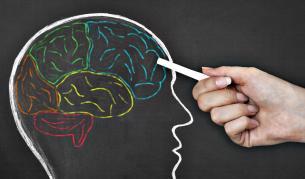 Мозъчен имплант превръща мислите в говор