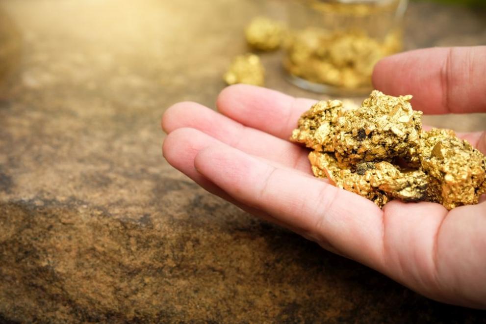 Канадска компания: Тонове злато лежат на границата между България ...