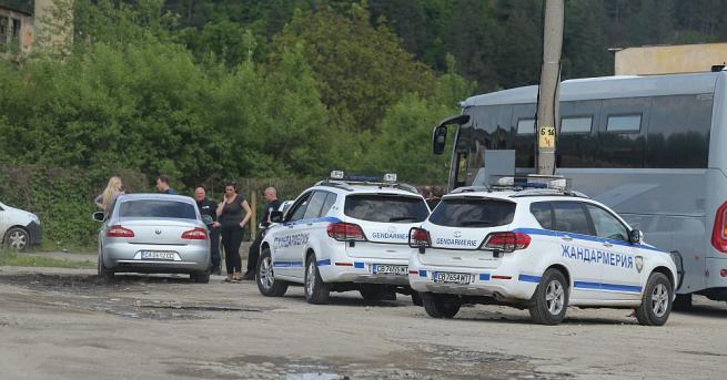 Акцията по издирването на беглеца в Костенец продължава. Вече 13-и