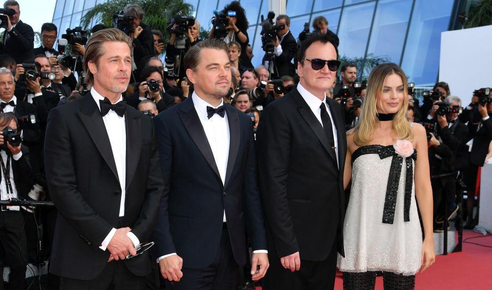 """Публиката и критиката в Кан посрещнаха с ентусиазъм новия филм на режисьора Куентин Тарантино """"Имало едно време в Холивуд"""", който събра холивудските звезди Брад Пит, Леонардо ди Каприо и Марго Роби"""