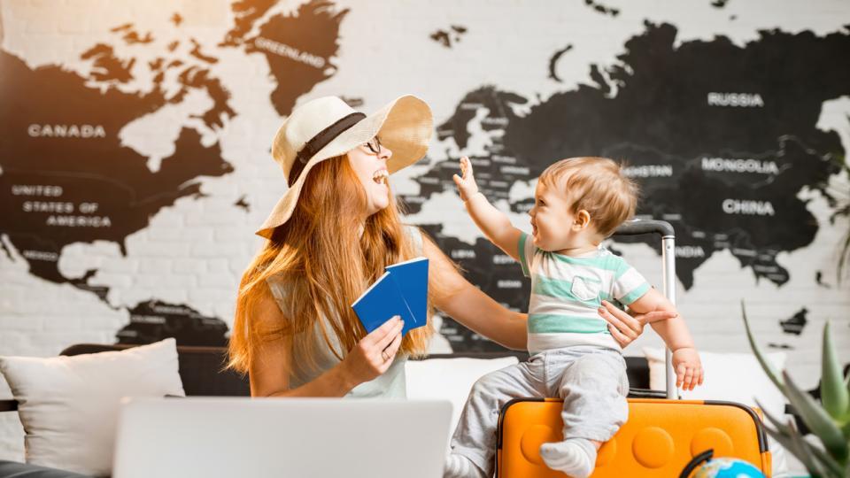 8 пътуващи майки, които да последвате в Инстаграм