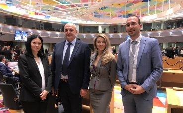 Зам.-министър Андонов в Брюксел: У нас насърчаваме младите да спортуват