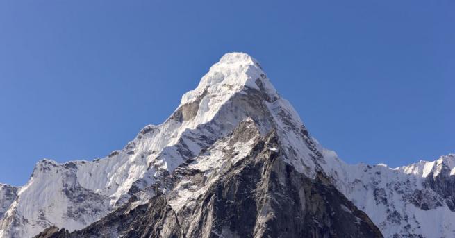 Британският алпинист Робин Фишър почина при слизане от връх Еверест