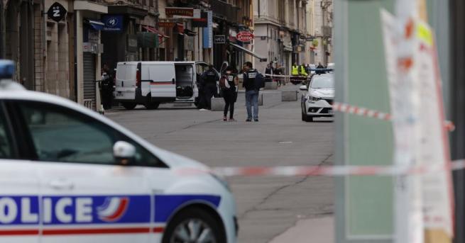Френските власти полагат всички усилия, за да открият следите на