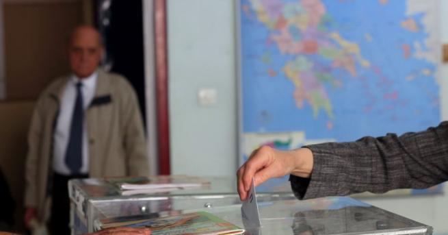 С достатъчен брой бюлетини приключиха работата си избирателните секции, разкрити