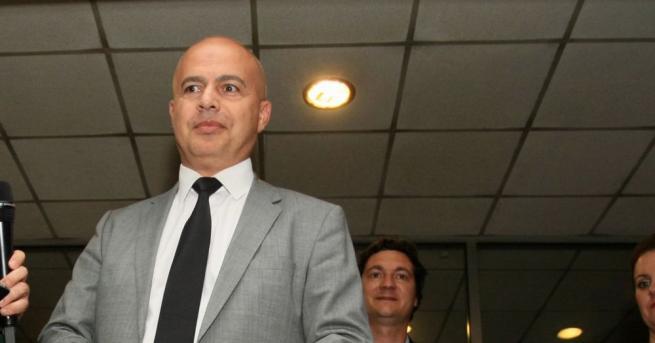 Притеснява ни ниската избирателна активност, заяви Георги Свиленски от БСП,