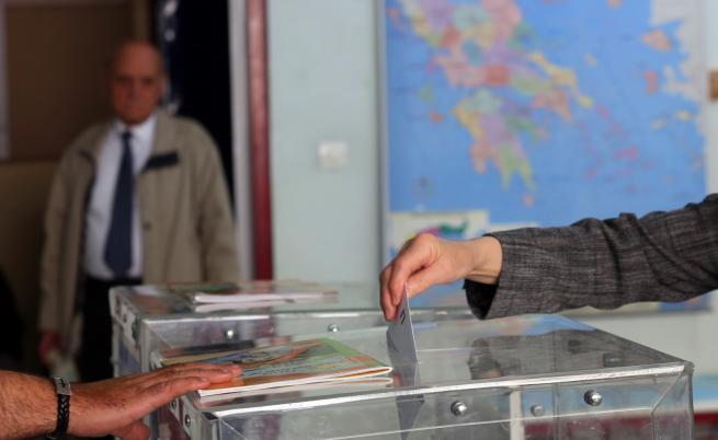 Изпратиха допълнителни бюлетини в Гърция заради високата избирателна активност