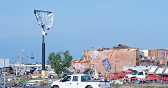 Броят на загиналите при бури и торнадо в щата Оклахома