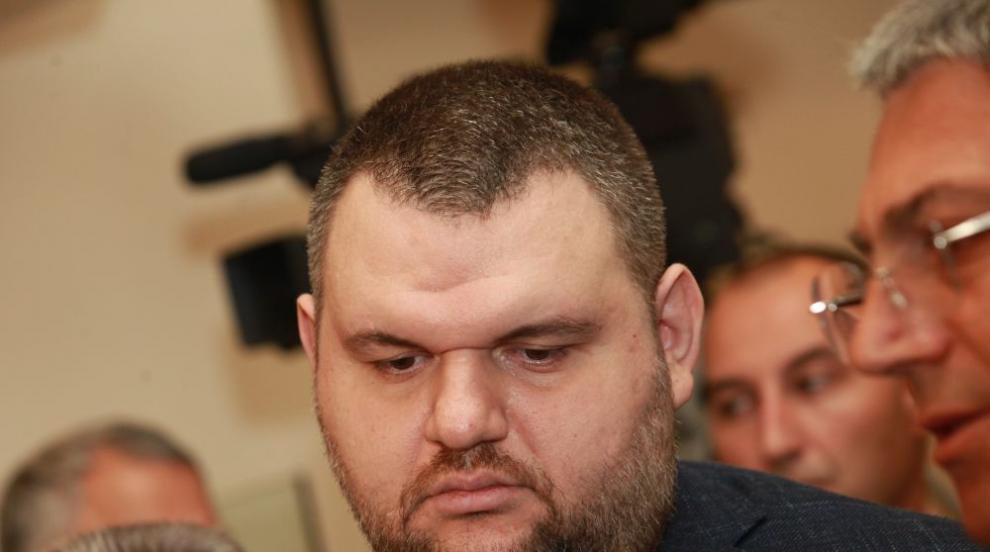 Над 2 милиона дари Пеевски за борбата с коронавируса