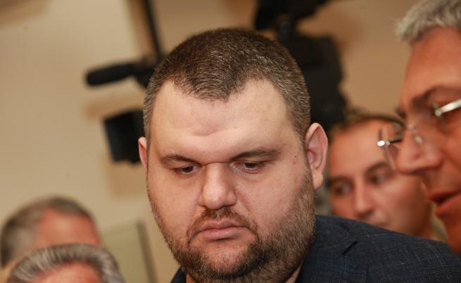 Пеевски няма да е евродепутат, остава в НС