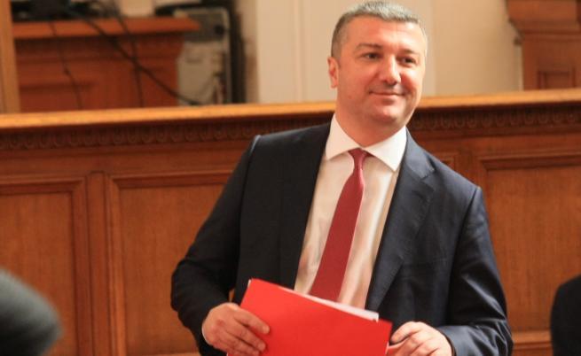 БСП се връща в парламента, иска оставката на Горанов