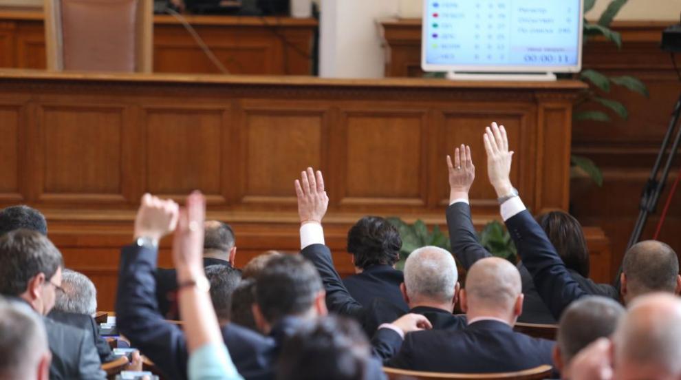 Парламентът отхвърли предложението на БСП за отлагане на сделката за F16