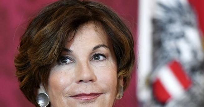 Австрийският президент назначи председателката на Конституционния съд Бригите Бирлайн за