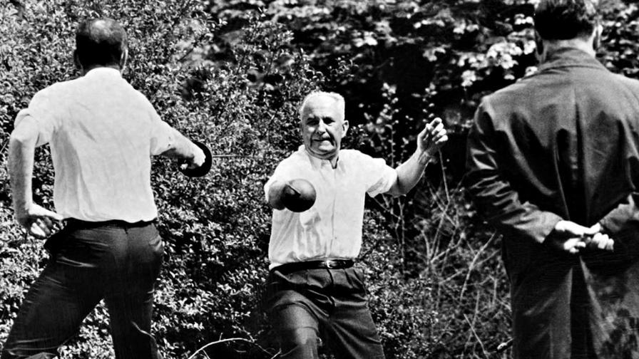 <p>1967: <strong>Последният дуел с мечове</strong> във Франция</p>