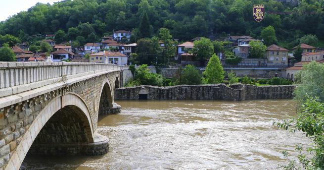 Река Янтра понижава нивото си във Велико Търново - за