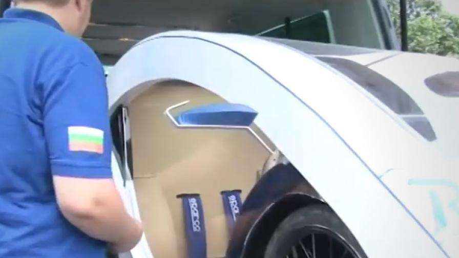 <p>Български ученици с уникален електрически автомобил</p>
