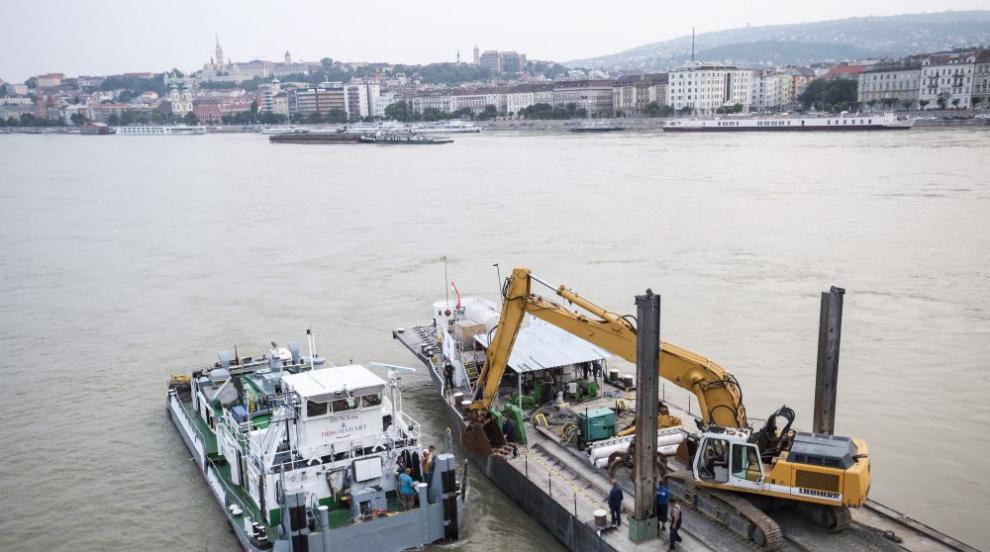 Още две тела са открити след преобръщането на корабче в Будапеща