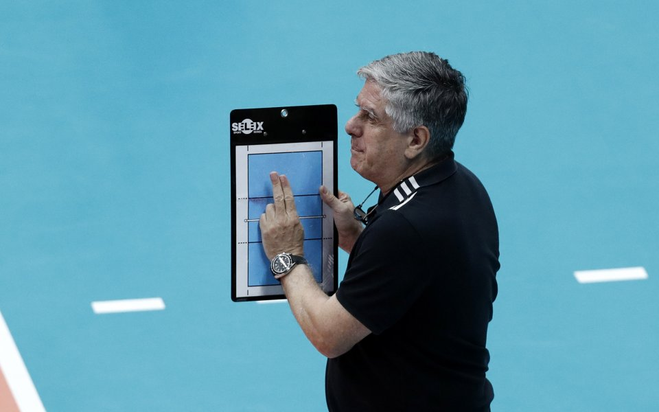 Треньорът на китайския национален тим по волейбол - известният специалист