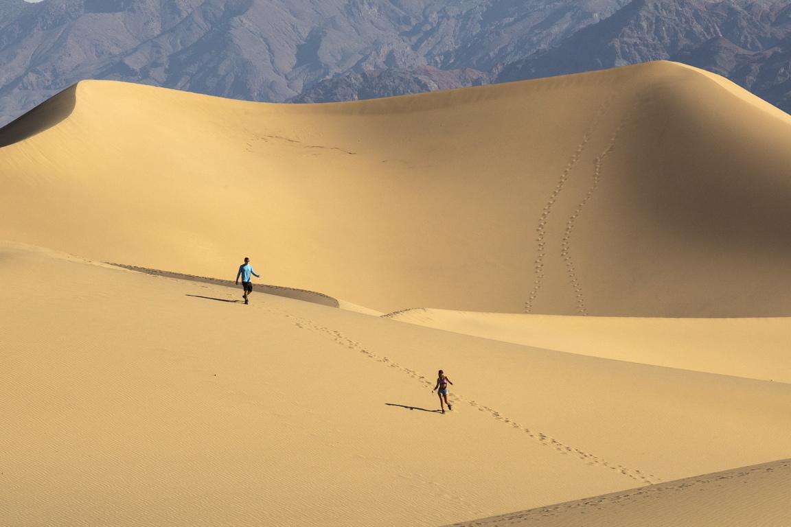 В Долината на смъртта има пясъчни дюни на няколко места.