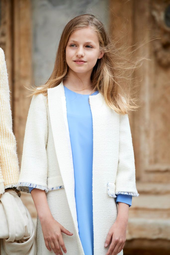 Наследничката на трона на Испания принцеса Леонор, 13 г., е по-голямата от двете дъщери на крал Фелипе Шести и кралица Летисия