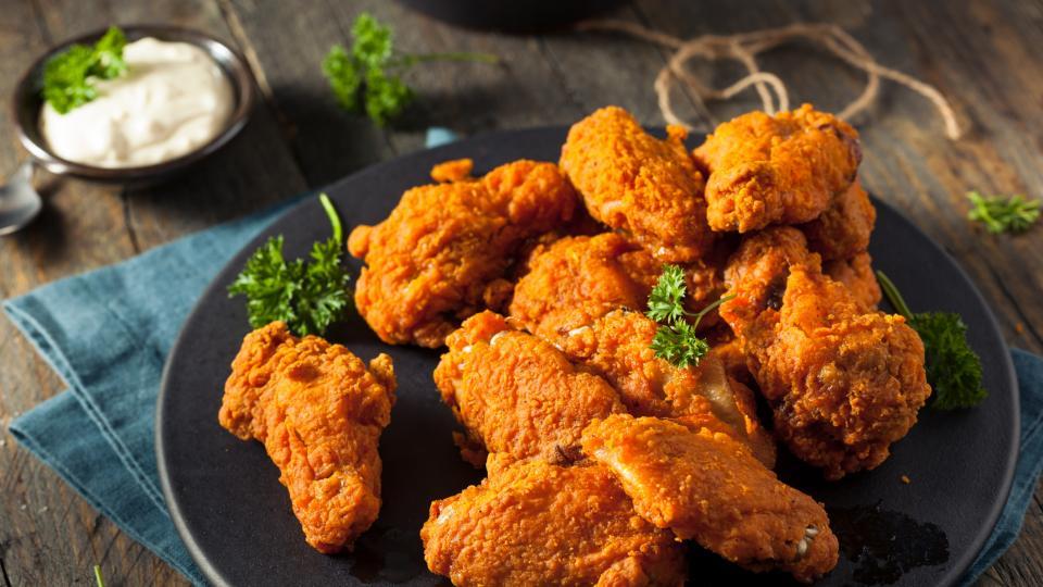 Пържено пиле с чесън
