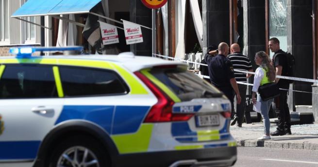 Полицаи в шведския град Малмьо стреляха и раниха мъж на