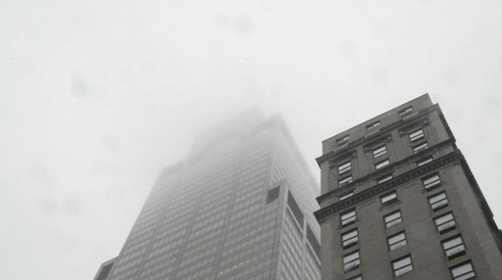 Пилотът на разбилия се хеликоптер в Ню Йорк нямал право да го управлява в...