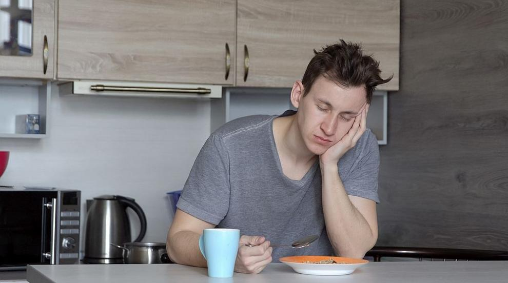 Доспива ви се след хранене? Каква може да е причината?