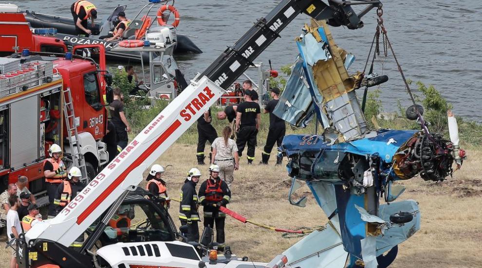 Самолет падна в река в Полша (ВИДЕО/СНИМКИ)