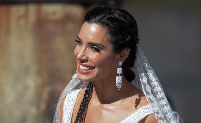 Красавицата Пилар, която се омъжи с черен букет