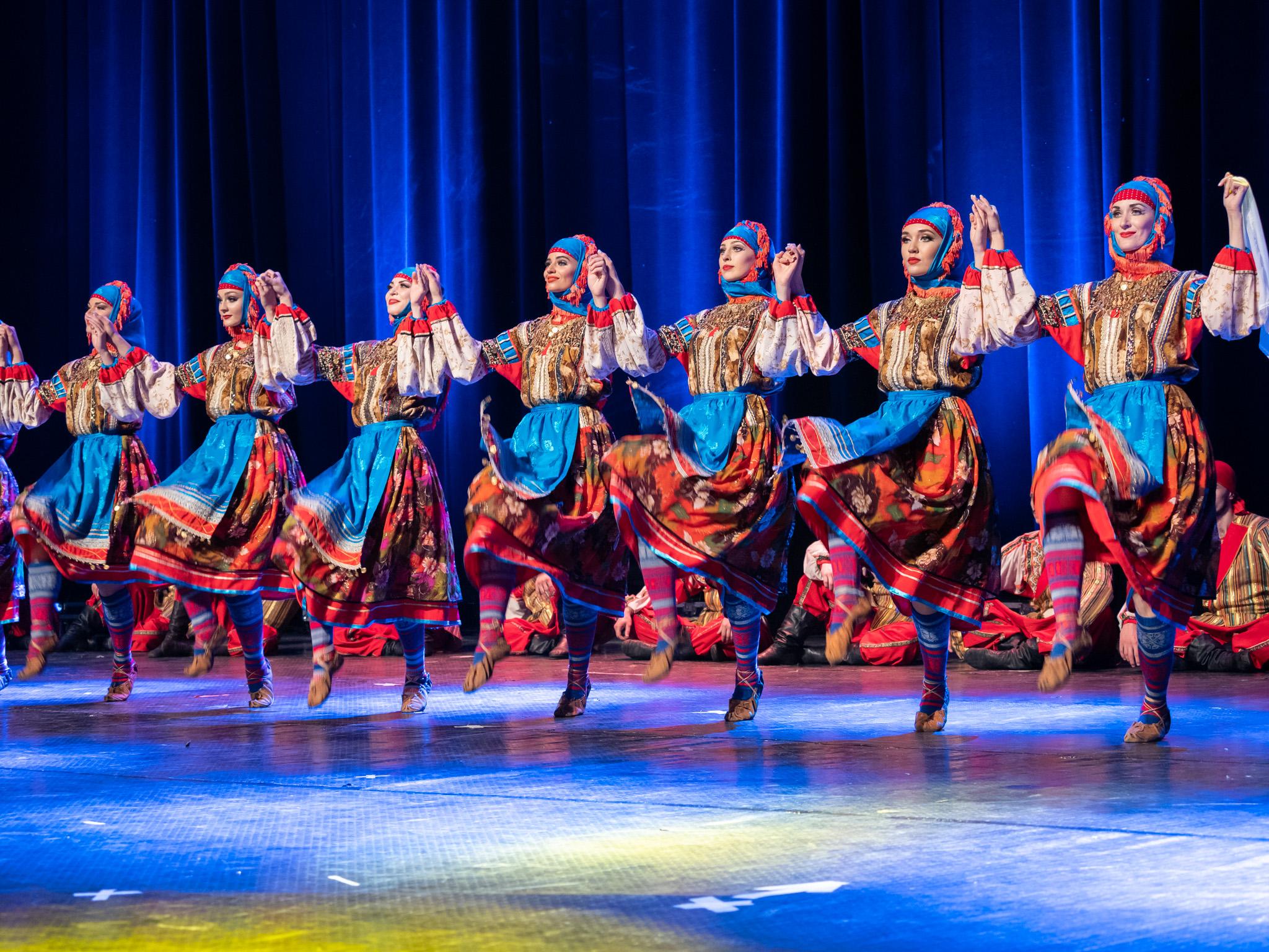 Най-старият музикално-танцов ансамбъл на Русия - световноизвестният Кубански казашки хор за първи път излезе пред българска публика.