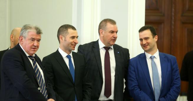 България Изпълнителният директор на НЕК подаде оставка Петър Илиев е