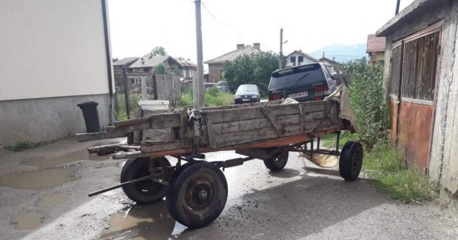 Водач на каруца загина при тежка катастрофа, съобщиха от полицията.