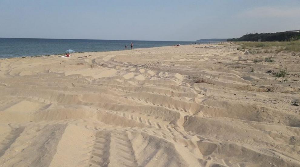 След проверка: Увредени са дюни на централния плаж в...