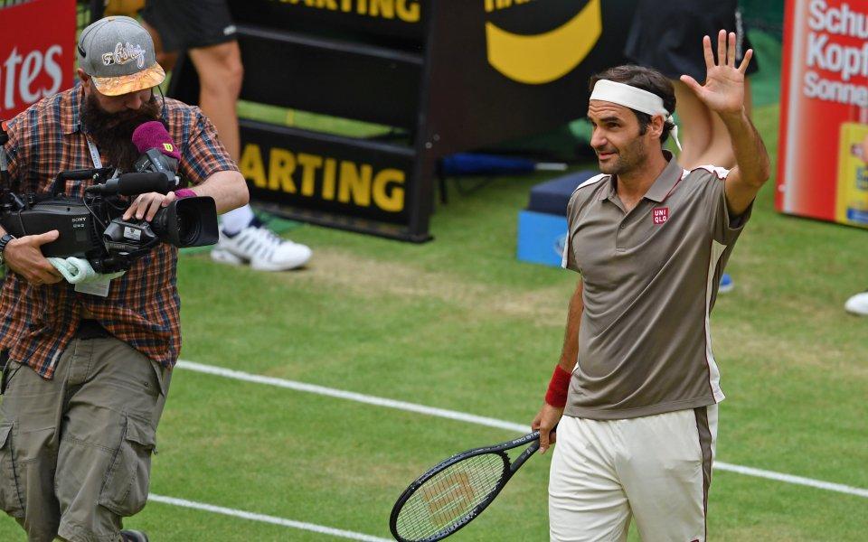 Роджър Федерер оцеля в страхотно тенис шоу срещу Жо-Вилфрид Цонга,