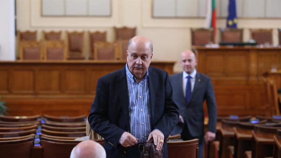 """ГЕРБ критикува Радев за """"залеза"""" на Борисов"""