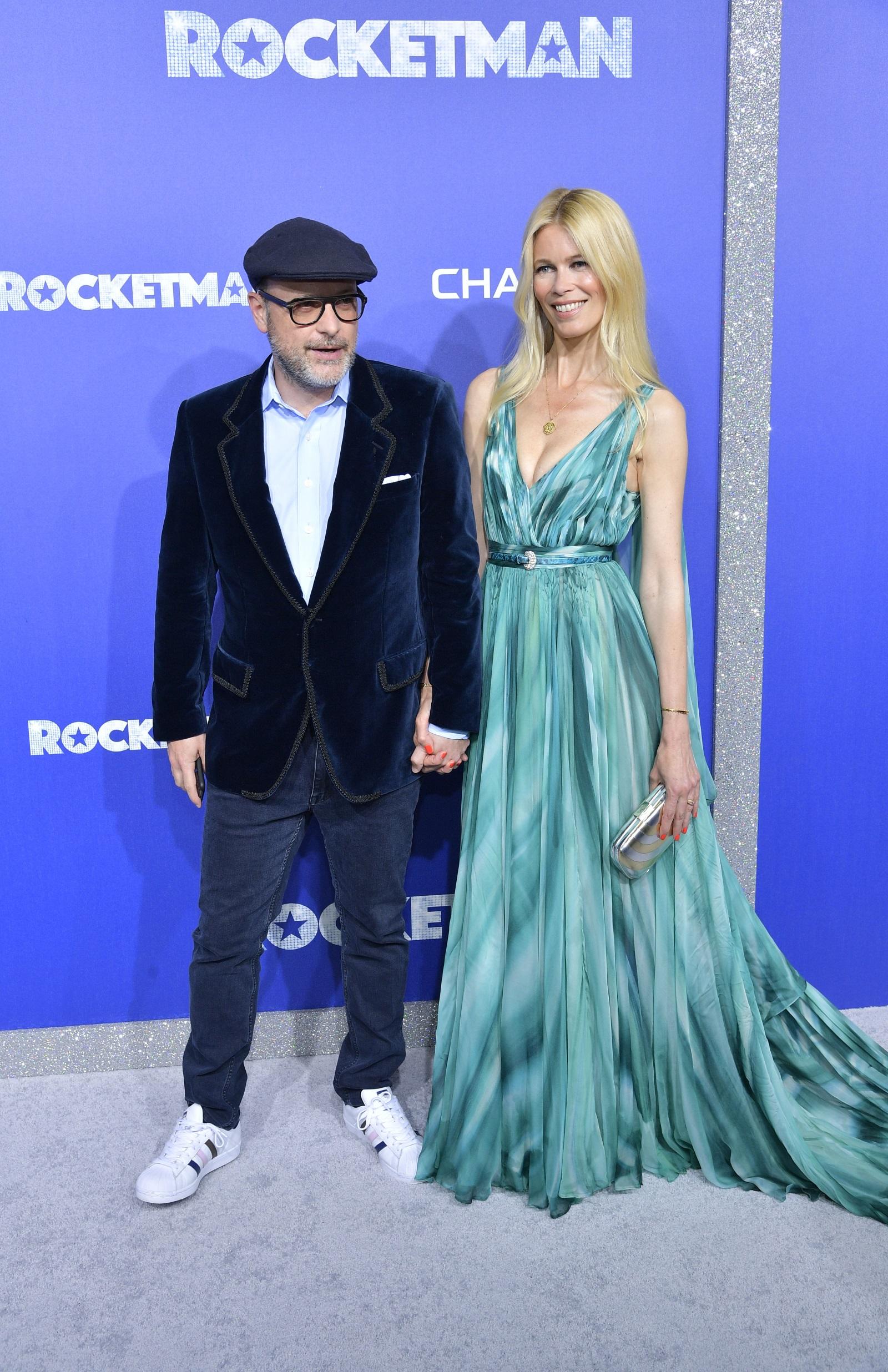 Клаудия Шифър и Матю Вон<br /> Топмоделът от 90-те и Вон имат 17-годишна връзка, но със сигурност режисьорът не споделя височината на жена си, която е 180 см.